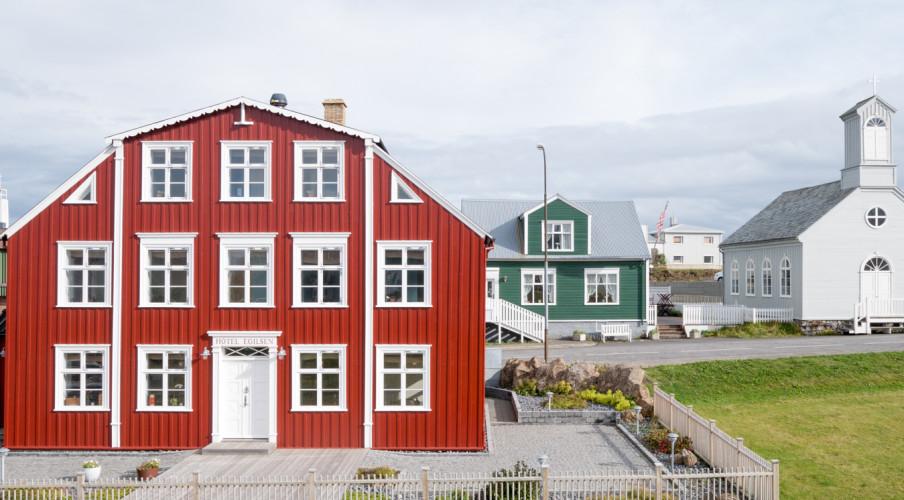 Iceland-WP-1040780